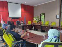 Foto: Proses mediasi antara wali murid, guru yang memberi sanksi, komite, termasuk guru BP di SMKN 5 Jember.
