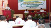 Sekretaris Daerah (Sekda) Kabupaten Sumenep, Edy Rasiyadi, saat menyampaikan sambutan dalam pembukaan rapat kerja daerah Badan Amil Zakat Nasional (Baznas) Kabupaten Sumenep.