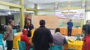 Foto: Kapolres Gresik, AKBP Arief Fitrianto, turun langsung memantau proses rekapitulasi suara Pilkada.