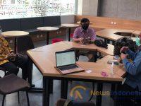 Foto; Kunjungan Rektor Moestopo, Prof. Dr. Rudy Harjanto, M.Sn ke Dekanat FEB UGM dalam rangka memperkuat jalinan kerja sama melalui rencana pengajaran daring terkait topik-topik kekhasan.