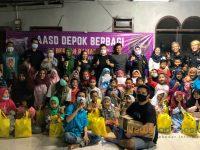 Foto: Keceriaan terpancar dari wajah anak-anak yatim di Yayasan PADI (Pundi Amal Dermawan Indonesia), Depok, Jawa Barat. Mereka senang bisa mendapat santunan.