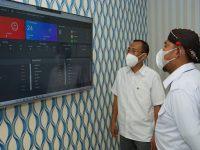 Foto: Bupati Sumenep, Achmad Fauzi, saat mengunjungi pusat operator layanan Nomor Tunggal Panggilan Darurat Call Center 112.