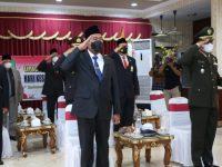 Foto: Bupati Sumenep, Achmad Fauzi, saat mengikuti upacara peringatan Hari Kesaktian Pancasila secara virtual yang dipimpin Presiden Joko Widodo di monumen Pancasila Sakti Lubang Buaya Jakarta Timur.